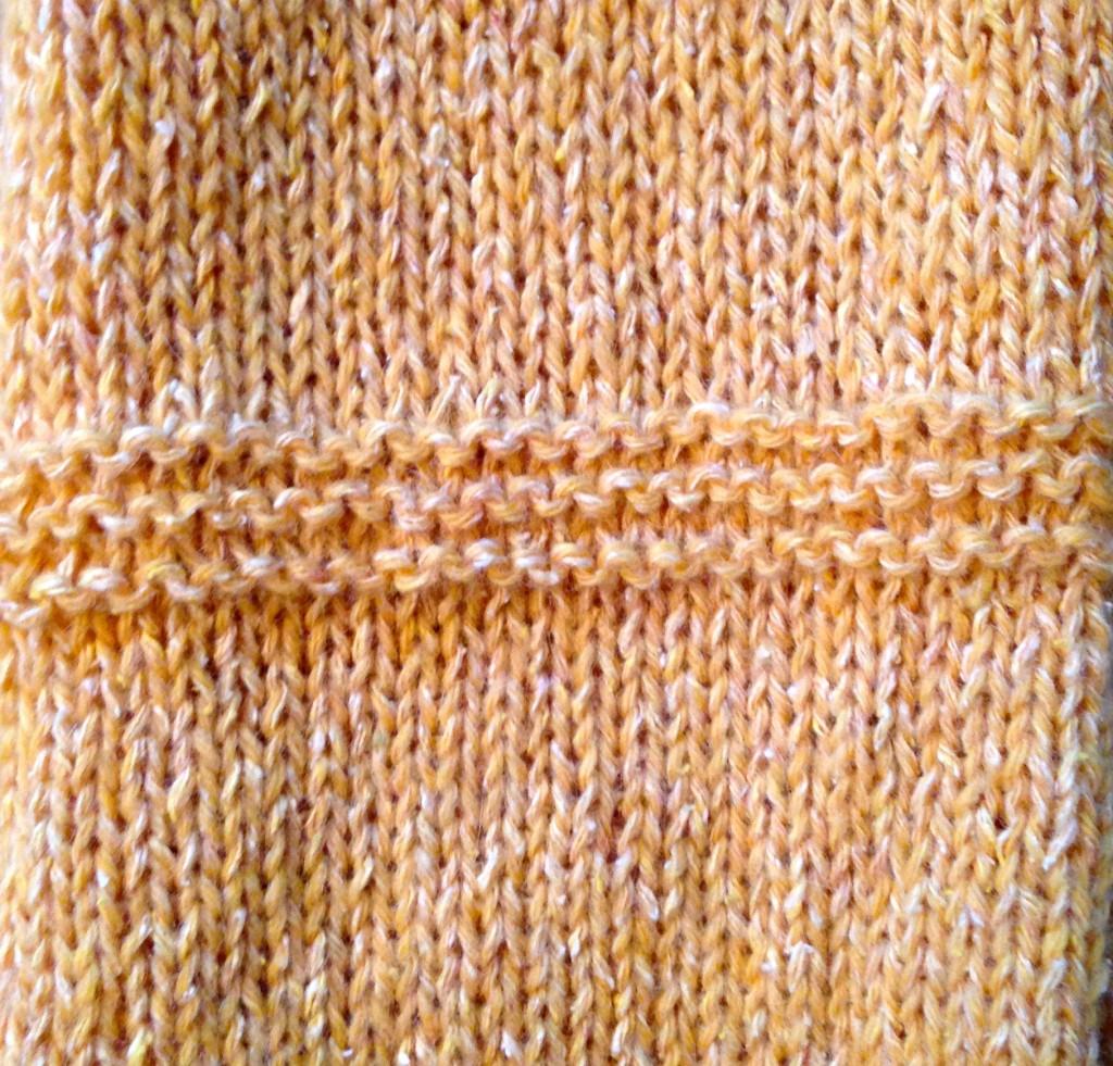 Strikkeprøve i en luksus-tweed jeg har fått kloa i.